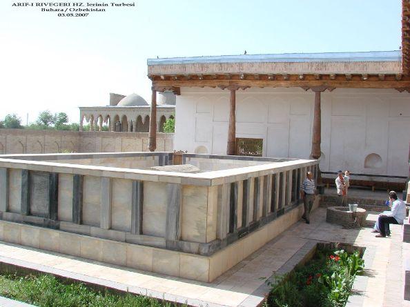 10- Fuad Yusufoğlu Ârif-i Rivegeri (Radiyallah-u anhu) nin mübarek kabri