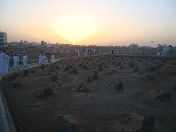 DSC00260 Fuad Yusdufoğlu Baki' kabristanlığında güneşin doğuşu (Medine-i münavvara)